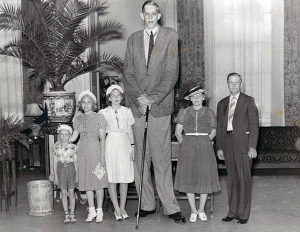 Самый длинный человек в мире за всю историю